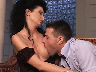 Brunette beauty's cunt gets stretcehd by a thick dick