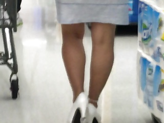 Candid Mature legs and high heels