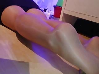 Girl with Pantyhose