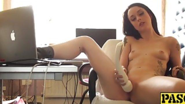 Horny British amateur Alessa Savage masturbating