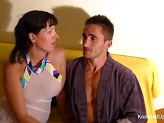 Knocked up brunette gets her ass fucked