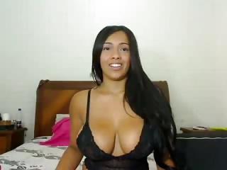 Remi Belle busty latina webcam