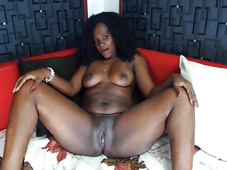 Thick Sexy Latina Milf Curly Hair Webcam